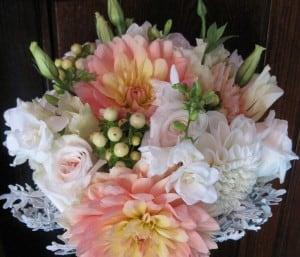 Saras bouquet cropped reduced e1421883540206 - Arranjos Florais